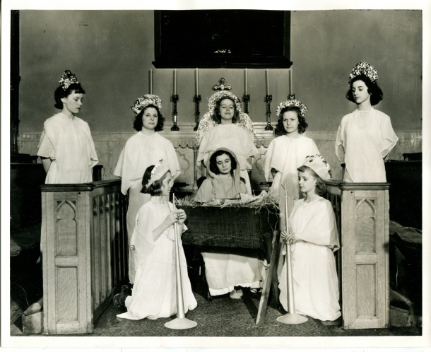 Joan in the center as the Virgin Mary, December 18, 1938.