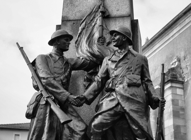 Statue honoring American Expeditionary Force in World War I